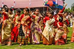 Девушки в сари в Асоме Стоковая Фотография