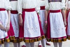 Девушки в Slavonic национальных костюмах Стоковое Изображение RF