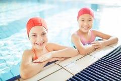 Девушки в swimwear Стоковое Изображение