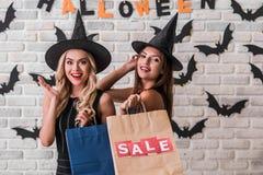 Девушки готовые для партии хеллоуина Стоковые Фото