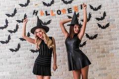 Девушки готовые для партии хеллоуина Стоковое Фото