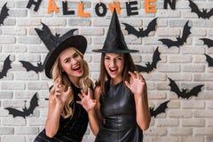Девушки готовые для партии хеллоуина Стоковое Изображение