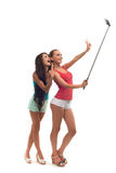 Девушки делают selfie в студии Стоковые Фото