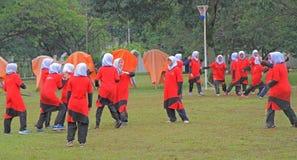 Девушки играют волейбол в Shah Alam Стоковое Изображение