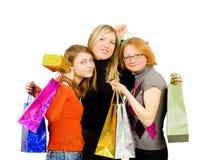 девушки изолированные вне ходя по магазинам 3 Стоковые Фото