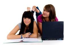 девушки изучая подросток Стоковая Фотография RF
