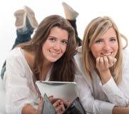 Девушки и технология Стоковая Фотография