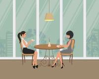 девушки 2 кафа Молодые женщины, сидя на таблице и выпивая кофе на предпосылке окна бесплатная иллюстрация