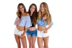 Девушки лучших другов Thee предназначенные для подростков счастливые совместно Стоковая Фотография