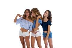 Девушки лучших другов Thee предназначенные для подростков счастливые совместно Стоковое Изображение RF