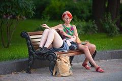 Девушки на стенде Стоковое фото RF