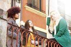 Девушки на улице Стоковое Изображение RF