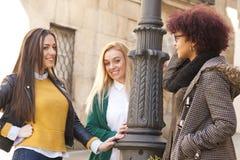 Девушки на улице Стоковые Изображения RF