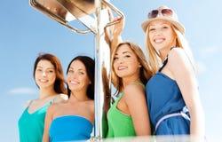 Девушки на шлюпке или яхте Стоковая Фотография