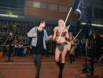 Девушки одетые в костюмах сражения Стоковое Изображение