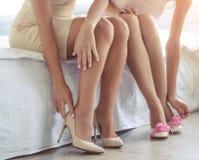 Девушки получая готовый к партии Стоковое Изображение