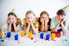 Девушки празднуя день рождения Стоковое фото RF
