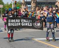 Девушки ролика долины Rideau в гей-параде Стоковые Фото