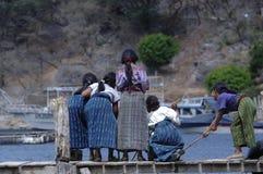 девушки рыболовства Стоковое Изображение