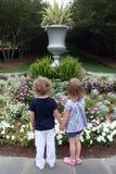 девушки сада Стоковая Фотография