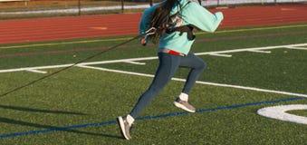Девушки средней школы вытягивая скелетон с весами Стоковая Фотография RF