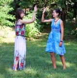 Девушки студентов имея потеху Стоковое фото RF