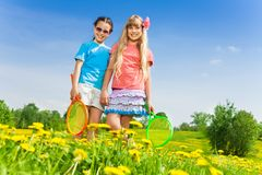 Девушки с ракетками Стоковые Фото