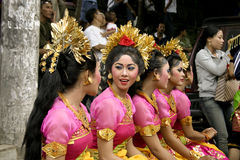 девушки танцора balinese стоковое фото rf