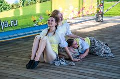 Девушки танцуют на празднике Ивана Kupala Стоковое Изображение RF