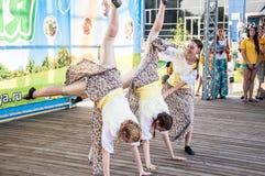 Девушки танцуют на празднике Ивана Kupala Стоковая Фотография RF