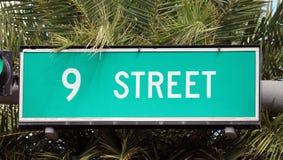 девятая улица знака улицы в пляже Флориде Майами южном стоковое фото