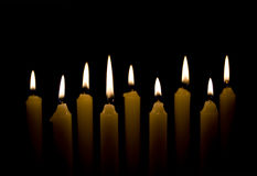 дежурство света горящей свечи Стоковые Фотографии RF