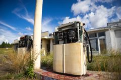 Дезертированная бензозаправочная колонка Стоковые Изображения RF