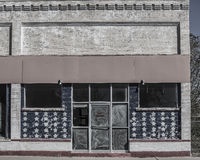 Дезертированная внешняя витрина магазина Стоковые Фотографии RF