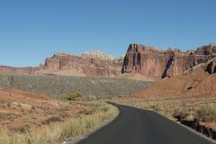 Дезертированная дорога в пустыне, США Стоковое Изображение RF