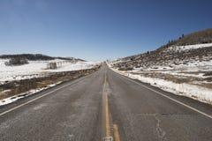 Дезертированная дорога в пустыне, США Стоковые Изображения RF