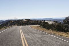 Дезертированная дорога в пустыне, США Стоковые Фотографии RF