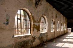 дезертированное здание стоковые изображения rf