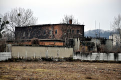 Дезертированное здание фабрики Стоковые Фотографии RF