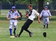 Действие бейсбола дилетанта Стоковые Фотографии RF