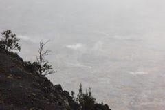 Действующий вулкан - день стоковые изображения rf