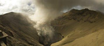 Действующий вулкан Bromo в Ява стоковые фотографии rf
