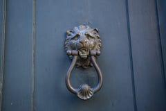 Декоративная дверь стука кольца металла Стоковое Фото