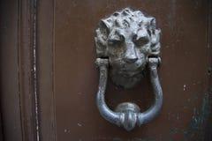 Декоративная дверь стука кольца металла Стоковое Изображение RF