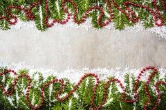 Декоративная ель рождества, праздничная предпосылка орнаментов Стоковое Изображение RF