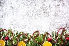 Декоративная ель рождества, праздничная предпосылка орнаментов Стоковая Фотография RF