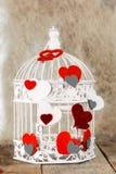 Декоративная клетка с handmade сердцами Стоковая Фотография RF