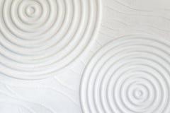 Декоративная предпосылка стены белого цемента абстрактных волн closeup Стоковая Фотография