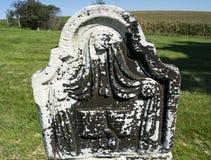 Декоративная старая надгробная плита в кладбище прерии Стоковые Изображения RF