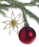 Декоративная тема с красной безделушкой рождества Стоковое Изображение